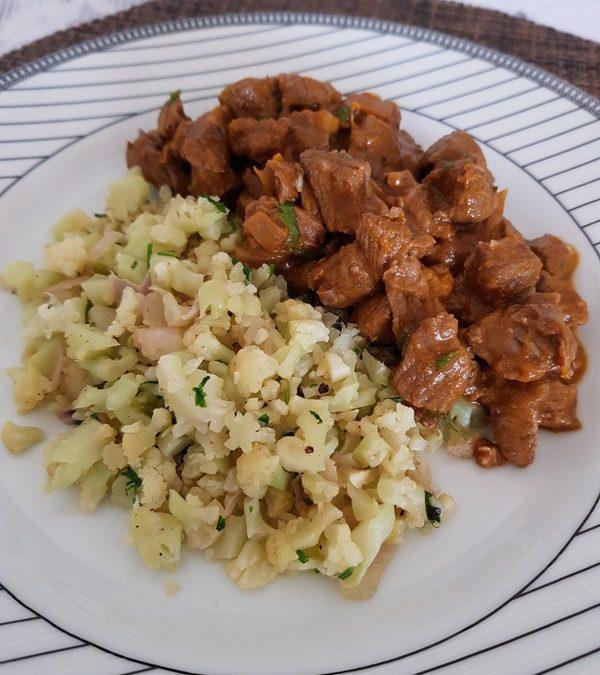 Receita de Picadinho com arroz de couve-flor